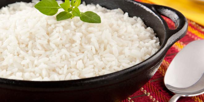 Como reduzir as calorias do arroz em 50%