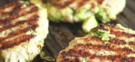 hamburguer de frango e abacate