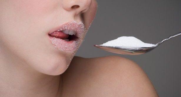 Açúcar demais pode te deixar mais velha, diz pesquisa
