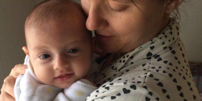 Uma coisa que ninguém fala, é que a maternidade não é linda
